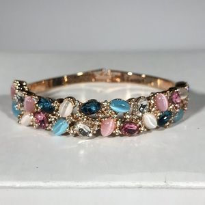 Jewelry - Stunning Rose Gold Plated Multi Crystal Bangle